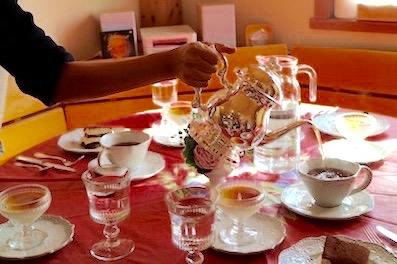 今回は生徒さんがお茶を入れてくださいました