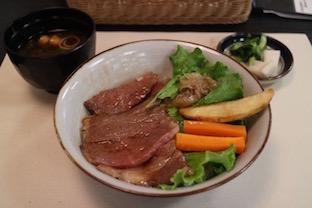 松坂牛ステーキ牛丼